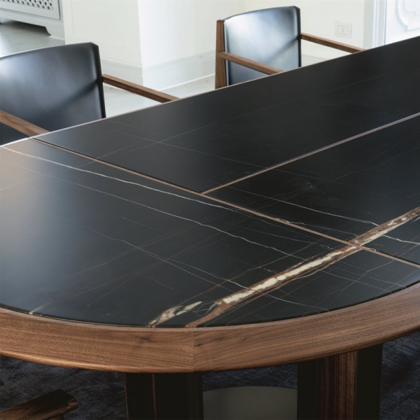 Thayl dining table designed by G&O Buratti for Porada